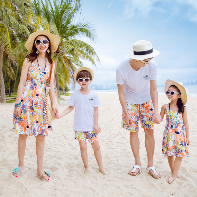 cf6e3ecb535 Family Matching Outfits Father Mother Daughter Son Summer Floral Print  Beach Dresses Family Look Dress Kids Clothes Set