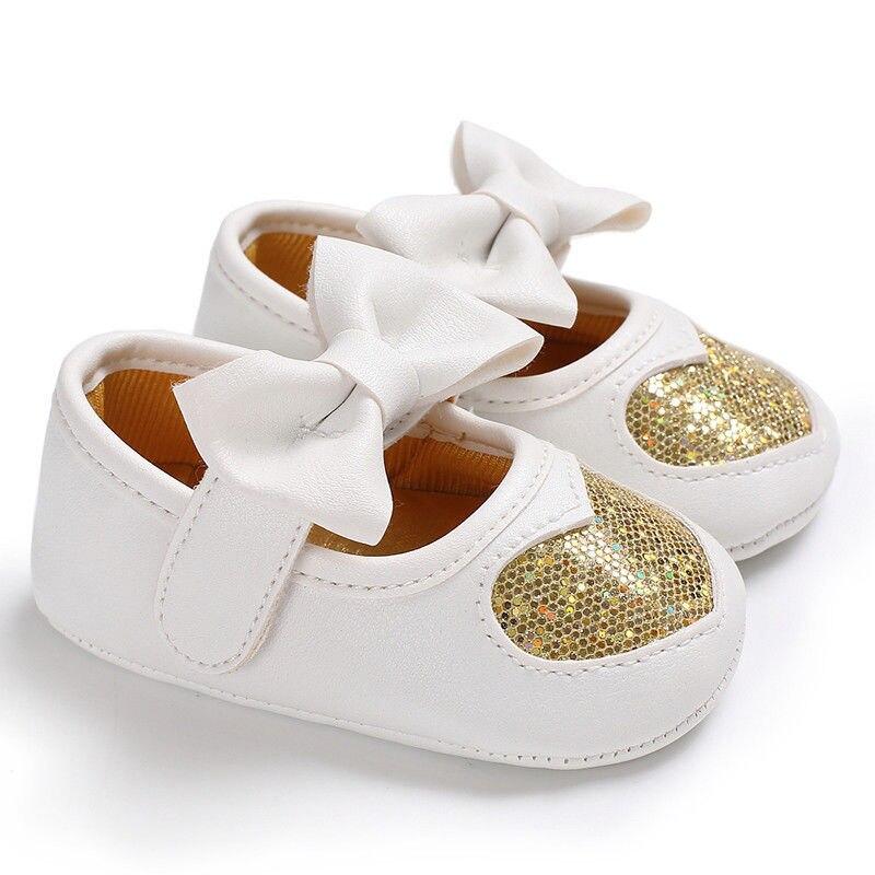 Новорожденных с бантом для маленьких девочек противоскользящие кожаная обувь детская кроватка Твердые блестками бантом обувь на липучке 4 стиль наряд сезон: весна–лето - Цвет: Золотой