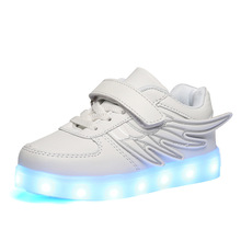 Date Enfants Shoes Lumière Led lumineux Shoes Garçons Filles USB De Charge Sport Shoes Casual Led Shoes Enfants Lumineux Sneakers