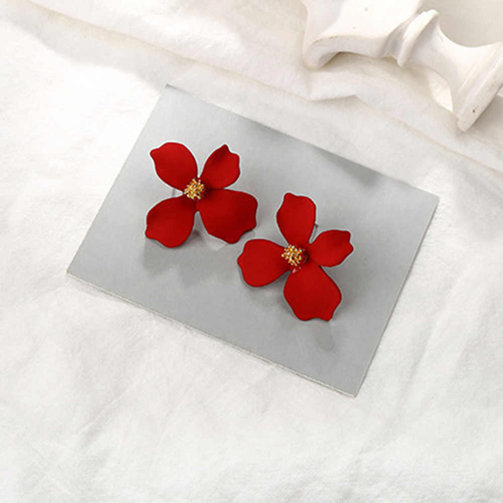 Bing Tu Red Pink Yellow White Spray Paint Flower Stud Earrings For Women Cute Sweet Jewelry Korean Earring Plant Earings brinco