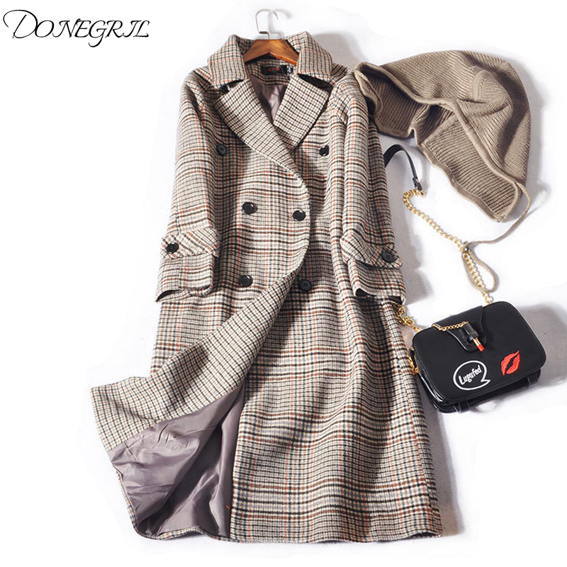 2018 new woolen coat female Korean version of the plaid temperament suit collar detachable hat warm long coat