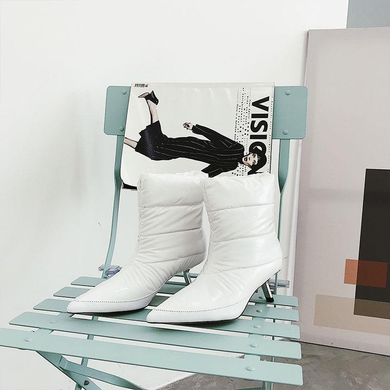 Le Show Metallo Donne Qualità Per As Caviglia Inverno Pane Gattino Bianco  2019 as Breve Show A Di Nero Stivali Punta 40 Runway Scarpe ... 3d7e9f16afc