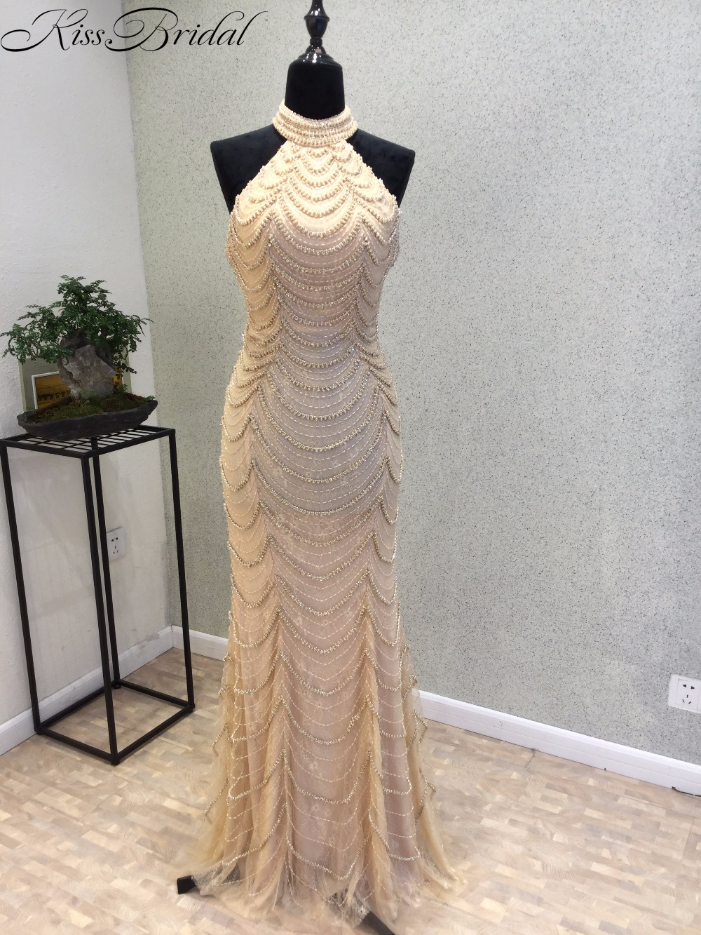 Sexy Backless Halter Mermaid Long   Evening     Dresses   2018 Real Picture Luxury Crystal Beaded Lace Dubai Robe De Soiree