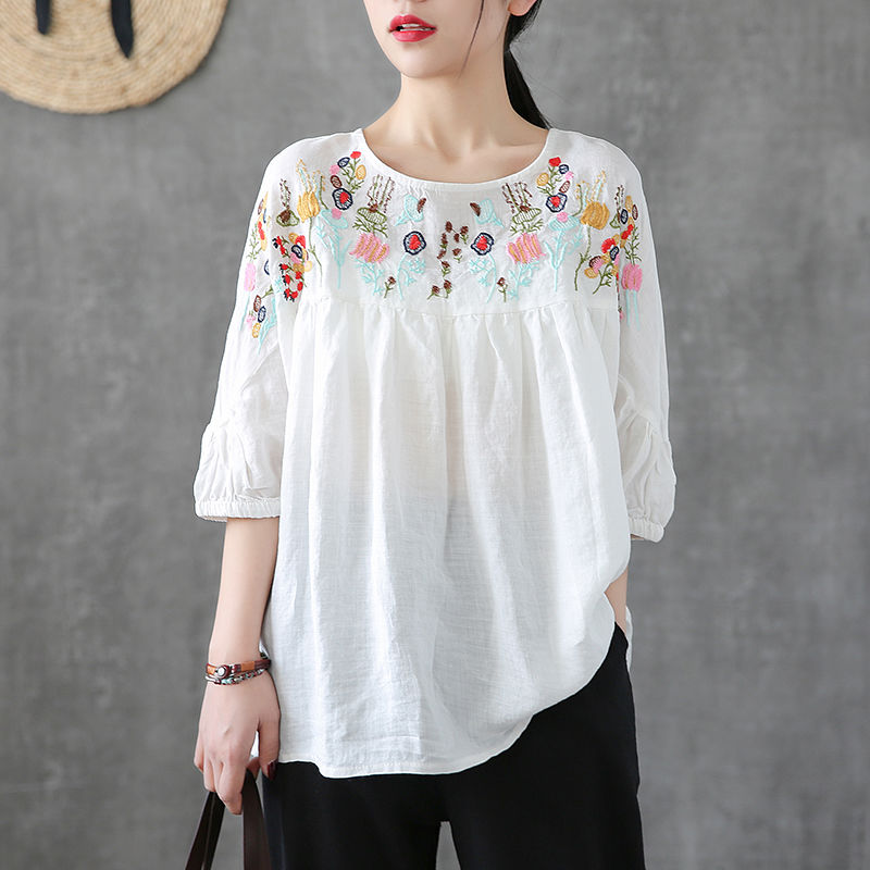 Blouse Women Plus Size Tunic Cotton Ladies Tops Casual Embroidery Vintage Loose O Neck White Batwing Sleeve Blusa Feminina
