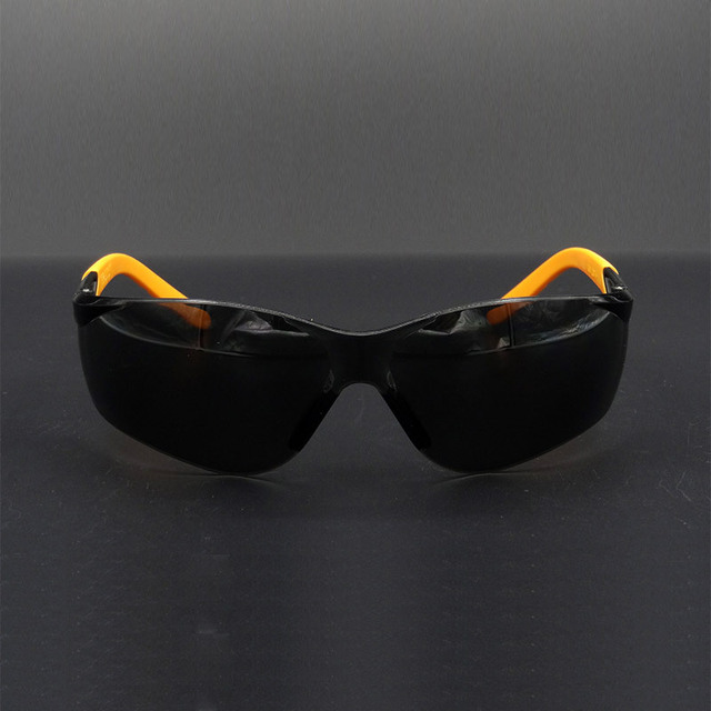 Quality High  protective lasses safety gray PC non-slip work safety glasses The brace Prevent scratches laser goggles