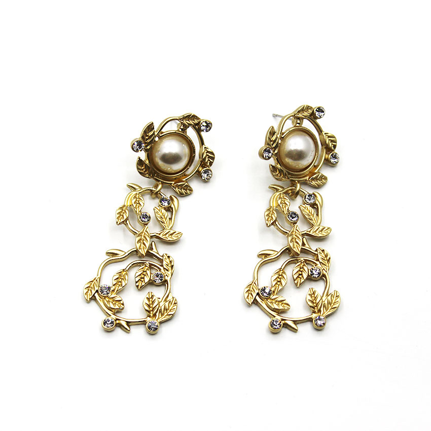 2016 new design women baroque vintage earrings gole plated big pearl with crystal earring 030