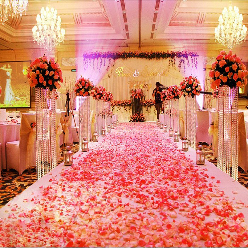 From The Candle Lined Aisle To Corners Dripping In Blood Red Roses You Re Going Want Have A Gawk Out Over This Decor Inspiration
