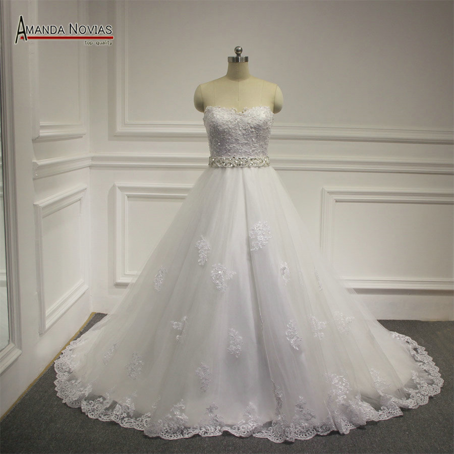 New Arrival Sweetheart Neckline Lace Appliques Bride Dresses With Crystal Belt NS1175