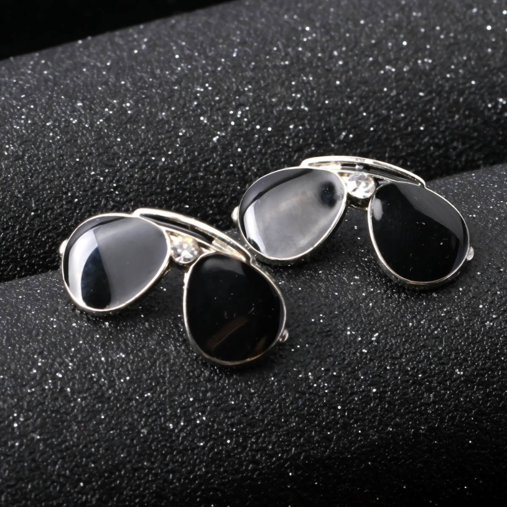 DoreenBeads 1 Piece Creative Brooch Pin Sunglasses Safety Pins Fashion Accessory for Women Men Scarf Coat Suit Shirt Bag Decor