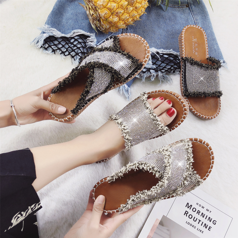 2018 New Women Slippers with Rhinestone Female Summer Slippers for Outdoor Fashion Design Lady Sandals Diamond Flat Heel 35-40 fashion women s sandals with metal and stiletto heel design