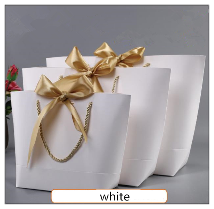 <font><b>Large</b></font> Size Gold Present <font><b>Box</b></font> For Pajamas Clothes Books Packaging Gold Handle <font><b>Paper</b></font> <font><b>Box</b></font> Bags <font><b>Kraft</b></font> <font><b>Paper</b></font> Gift Bag With Handles Dec image