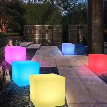 Thrisdar Outdoor Ha Condotto Mobili Illuminato Sgabello Da Bar Sedia Cubo Di Luce 30*30*30 CM Cafe KTV Hotel Di Plastica Tavolo Cubo Di Luce