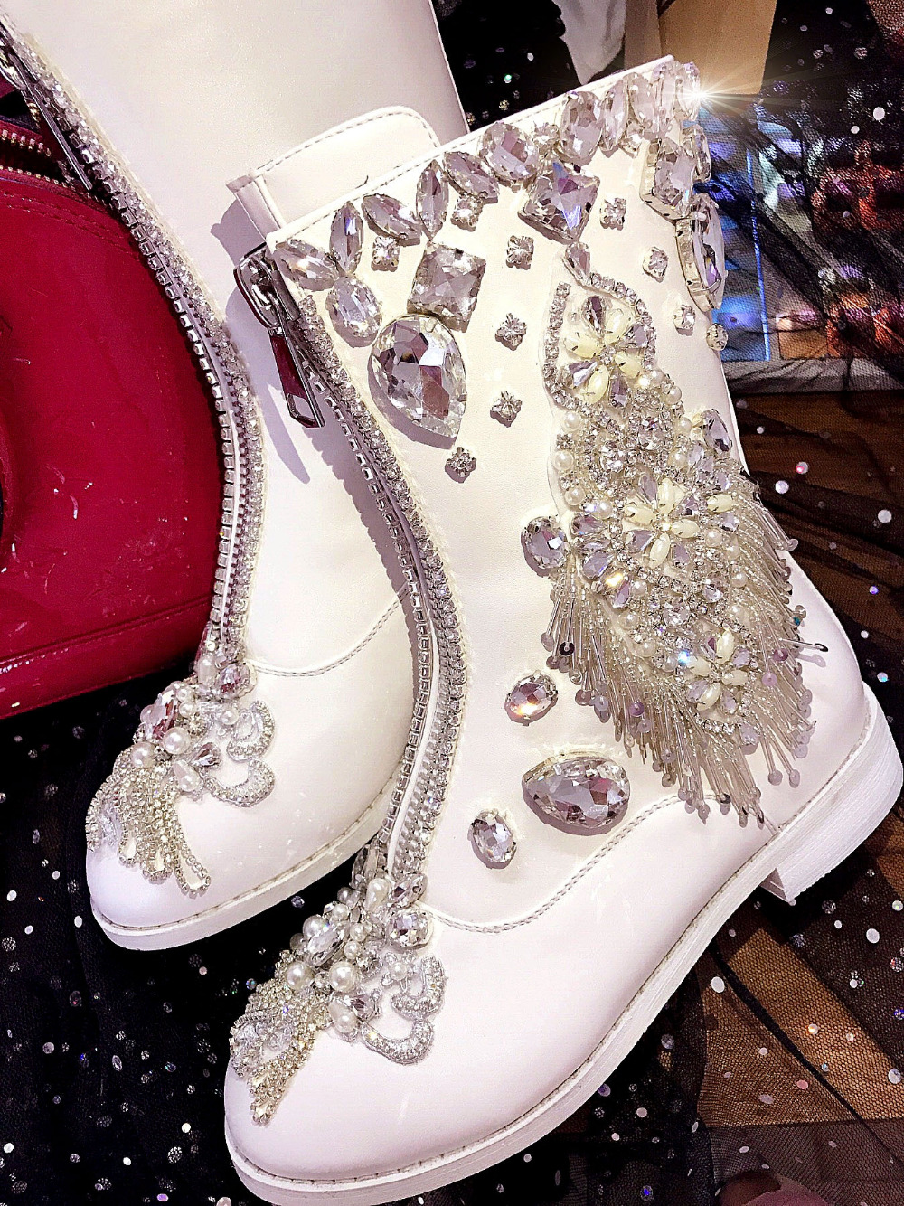 Ladies Gem Rivers Fringed Chains Zippers Ankle Boots Sequin White Flat Leather Rubber High Top Shoes Boots Women Bottines Bottin цена 2017