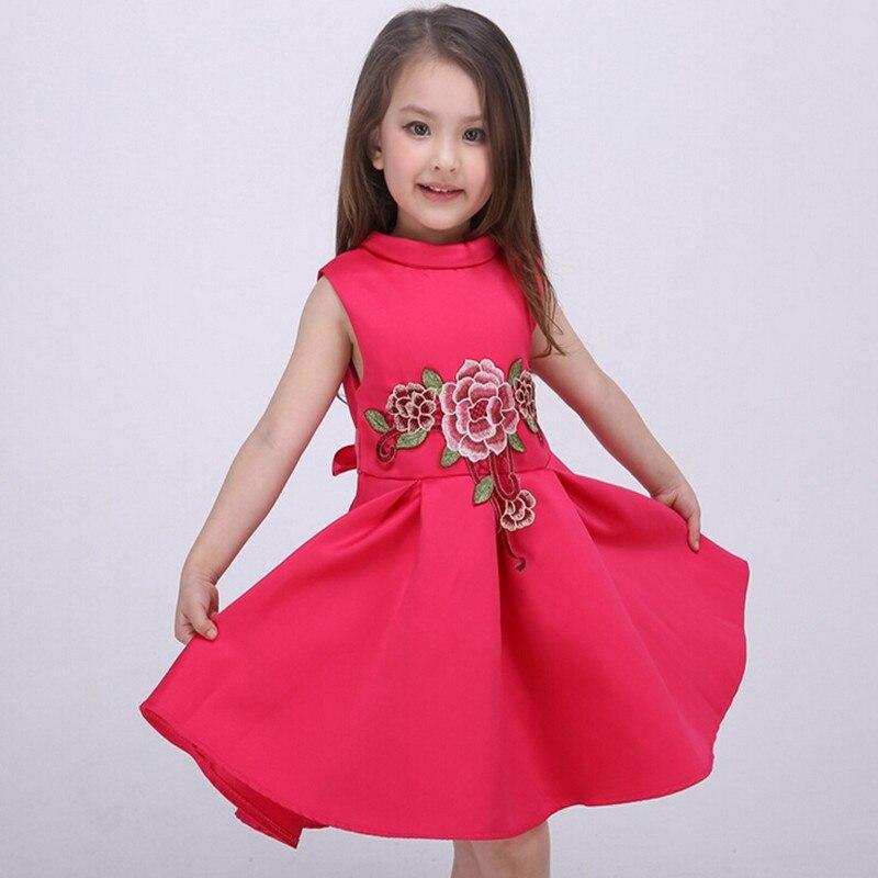 f9a1e3595 Moda 2016 bordado tutú niños Toddler flor niñas Vestidos verano Casual Vestidos  De fiesta De la princesa NTQ003 en Vestidos de Mamá y bebé en  AliExpress.com ...