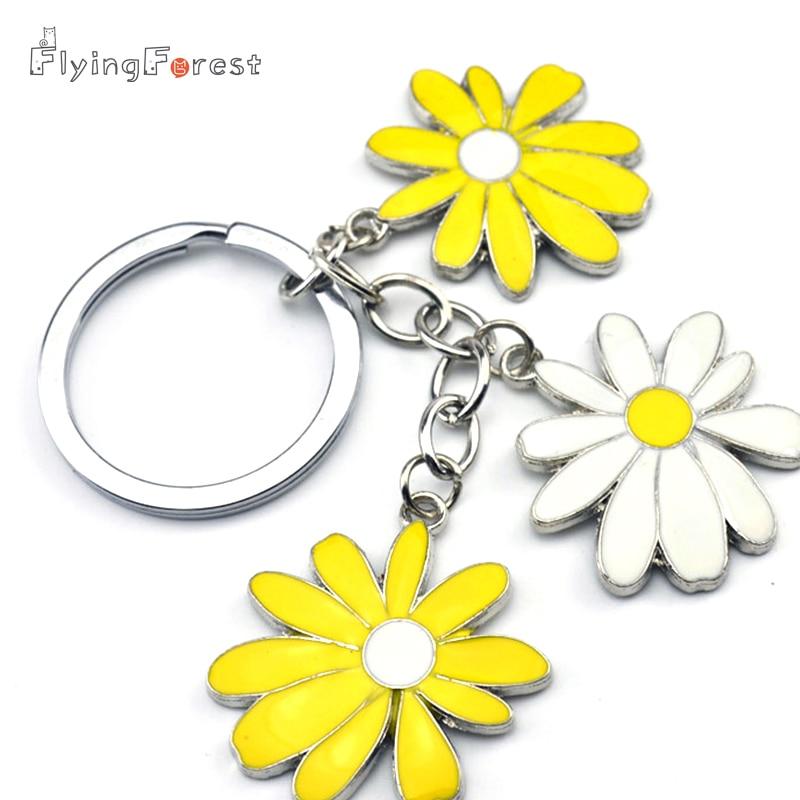 Little Daisy Keychain Keys ქალთა წვრილმანი ლითონის საკინძები სამკაულების ჩანთა თუთია დისკები მანქანის გასაღები ბეჭედი ყვავილების ძირითადი ჯაჭვებით მოყვარულთათვის