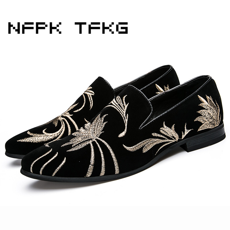 England style mens luxury wedding nightclub velvet suede leather shoes slip on lazy shoe embroidery summer loafers zapato hombre men s leisure stage nightclub velvet leather shoes breathable summer slip on driving flat oxfords shoe teenage young loafers man