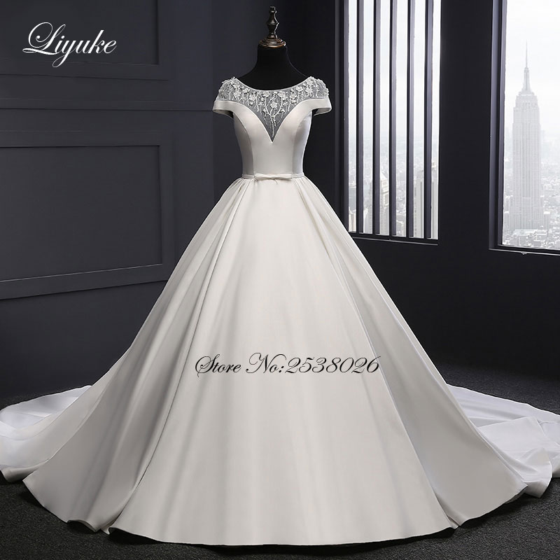 2018 New Arrival Liyuke Elegant Satin A-Line Wedding Dress Court Train Short Sleeve Ivory Wedding Gown  robe de mariage