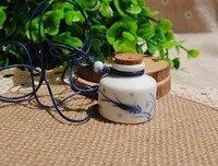 2pcs Ceramic Essential Oil Bottle Necklaces Perfume Bottle Necklaces Scent Necklaces Aroma Necklace Pendant