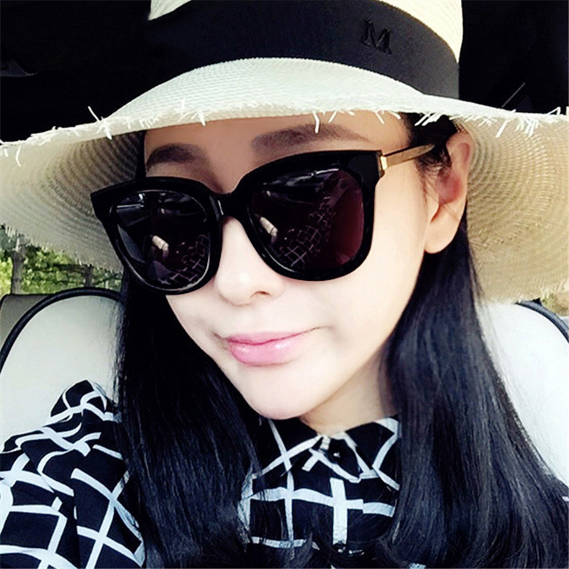 2019 New Fashion Women's Circular Glasses International Brand Design Retro Classic Herr solglasögon UV400 Driving Solglasögon