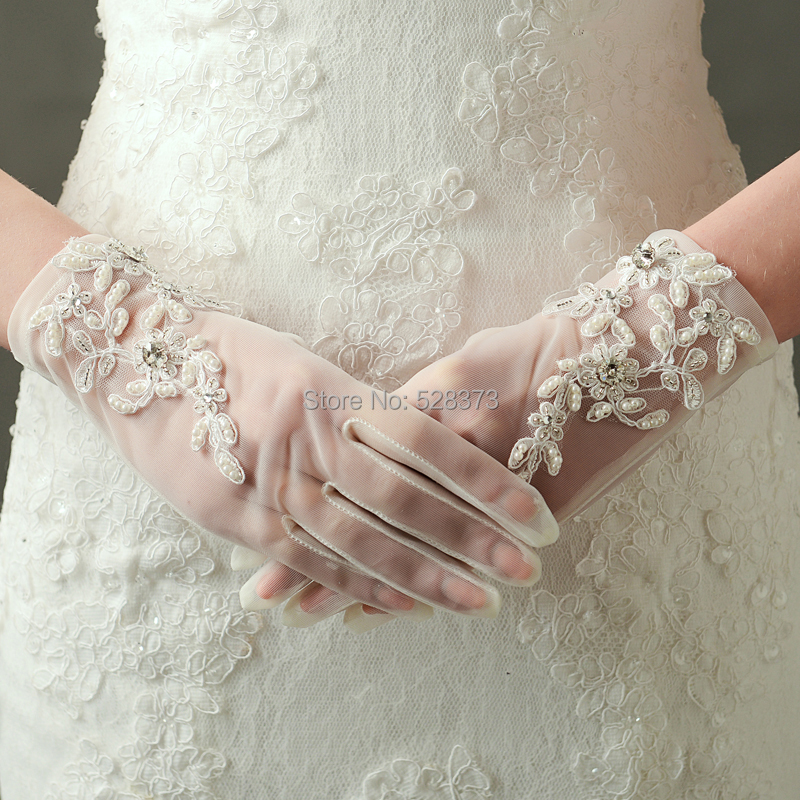 YNQNFS BG3 Hand Decoration Wrist Length Beaded Lace Appliqued Short Wedding Gloves Bridal Gloves Real Photo