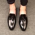 Nueva Manera de La Alta Calidad Cómodo Borla Mocasines Mocasines de Cuero Genuino Del Dedo Del Pie Puntiagudo Pisos Oxfords Zapatos de Los Hombres