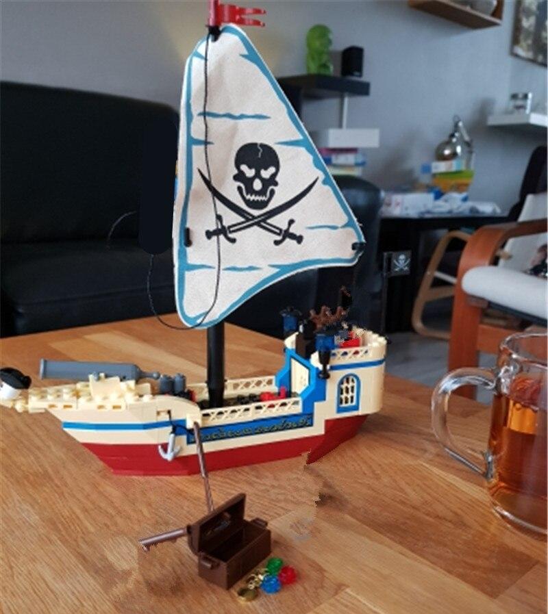 Pirate ship building blocks 1
