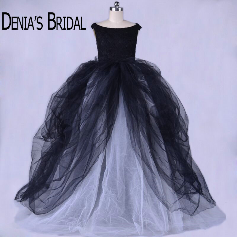 Vintage Black and White Wedding Dresses Tiered Court Train Ball Gown Puffy Bridal Gowns