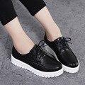 Las mujeres Zapatos de Plataforma Plana 2017 Marca Mujer de Cuero Ata Para Arriba Zapatos de los planos Oxfords Nueva Moda Mujer Casual Blanco Zapatos de Las Señoras 2538