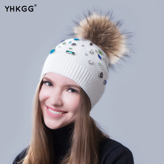 2016   The trend of guide color big drill Luxury decoration luxury hat a warm hat Lovely hair bulb