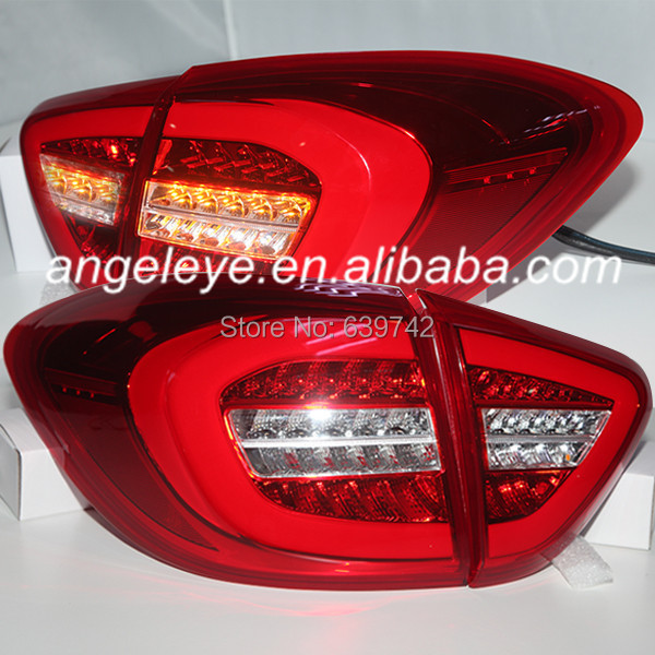 For <font><b>Renault</b></font> <font><b>Captur</b></font> <font><b>LED</b></font> Tail Lamp 2014 year Red White Color image