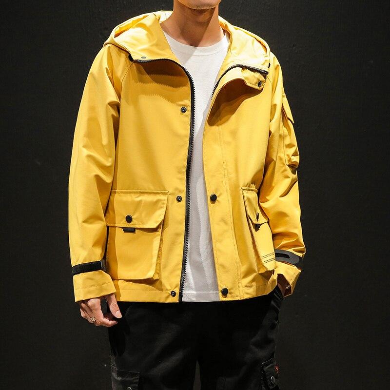 Hommes veste jaune à capuche printemps manteau veste hommes bras poche Safari Style vêtements d'extérieur 2019 nouveauté mode hommes coupe-vent