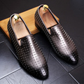 Spring Fashion Men Pointed toe Slip On Flats lighten-end Genuine leather Rivet Loafers Breathable Low Casual Leather shoes 022