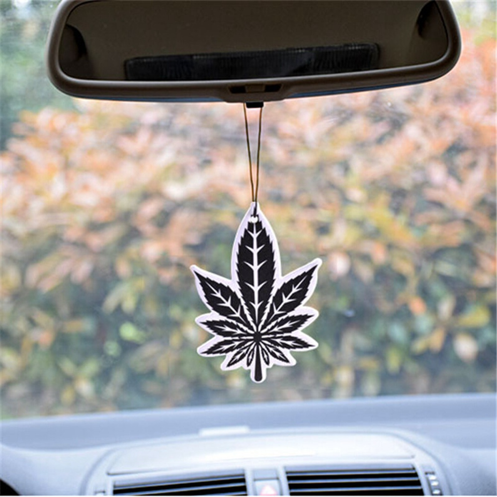 3Pcs/Set Leaf Type Hanging Perfume Auto Interior Accessories Air Freshener 2 Colors Air Cleaner Car Perfume Car-styling