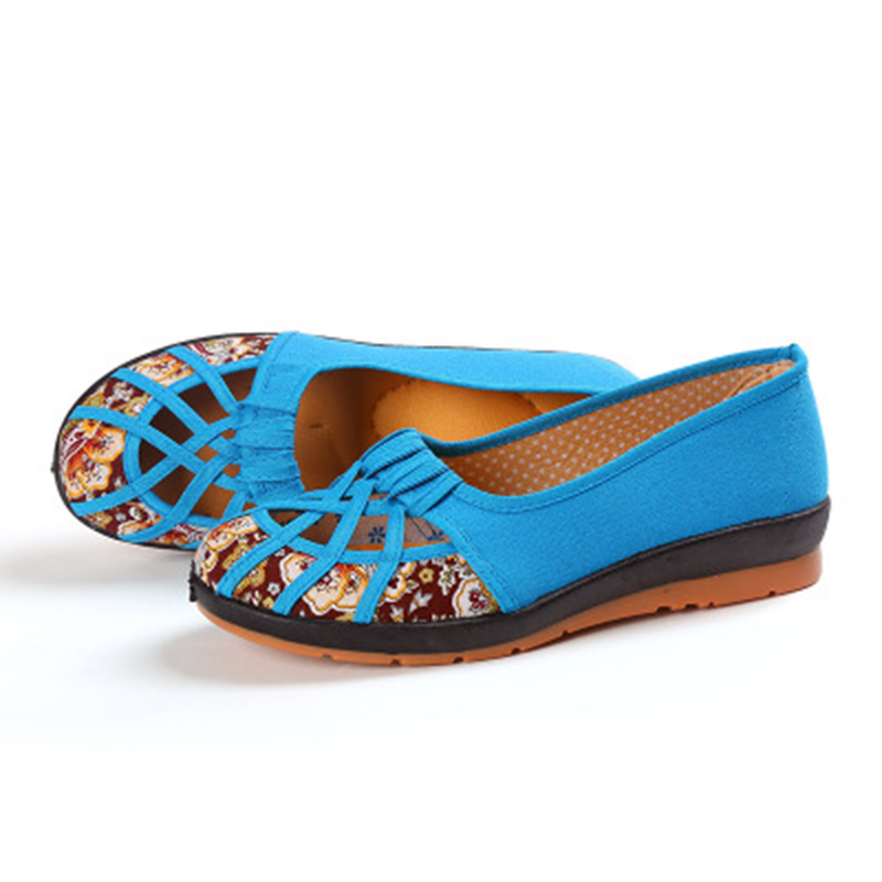 Old Beijing Cloth Soles Comfortable Soft Bottom Retro Middle-aged Elderly Embroidered Leisure Women Shoes National Style NO.107