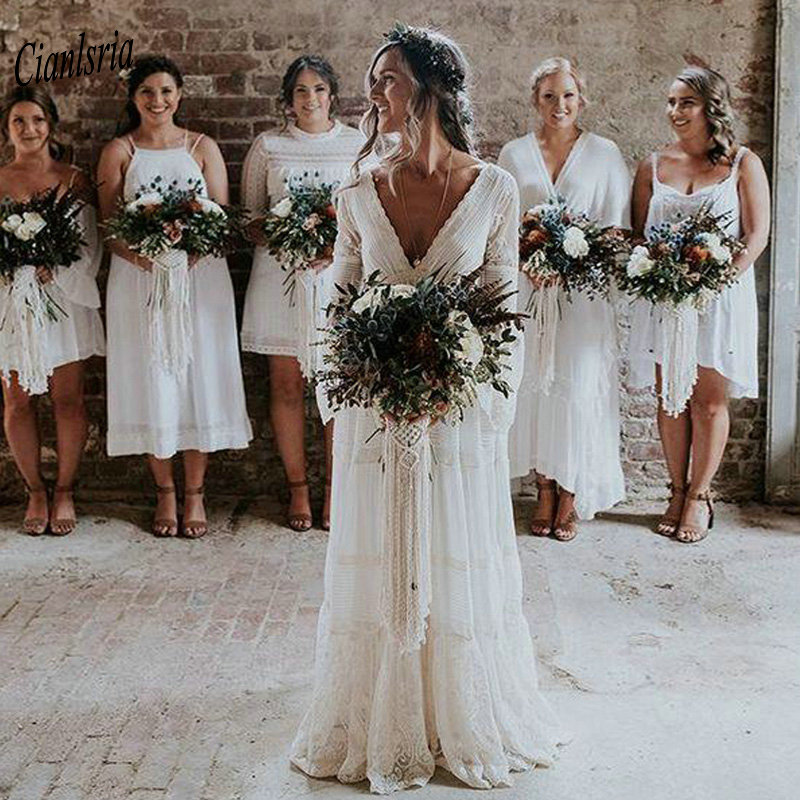 2019 Bohemian Country Wedding Dresses V-Neck Long Sleeve Appliques Lace Backless Beach Boho Beach Plus Size Wedding Dress