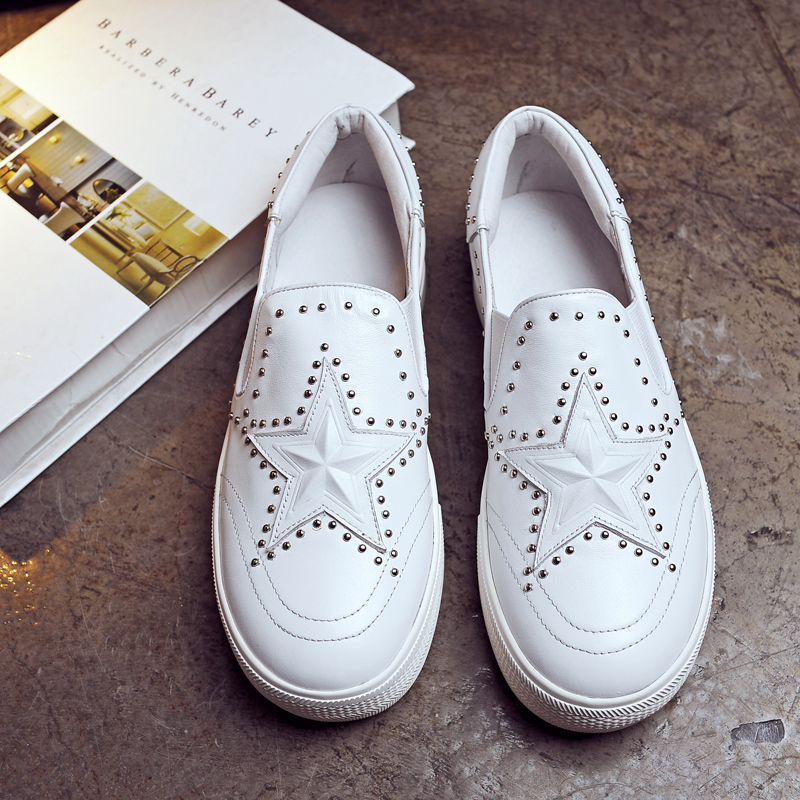 Spring And Autumn  fashion Genuine Leather Platform Shoes Woman Loafers Casual Flat Round Toe rivets Single Shoes Women Flats 2016 autumn fashion women full grain leather flat heel white shoes student bling round toe leather brand basic flats loafers