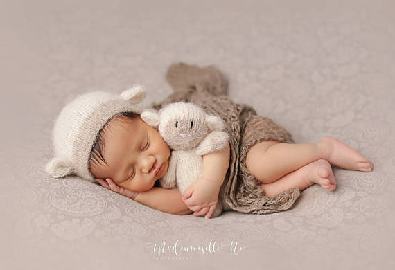 Infant Crochet Baby Beanies Hat Newborn Baby White Lamb Hat and Toy Doll 0-1M OR 3-4M Cute Gift set Newborn Photography Props