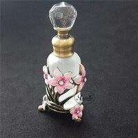 15 ml Parfüm Uçucu Yağ Vintage Doldurulabilir Şişe Metal Çiçek Cam Boş Konteyner Taşınabilir Hediye Ev Dekorasyon #57348