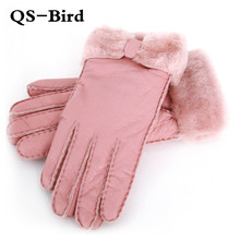 Rękawiczki damskie 100 prawdziwe skórzane zimowe rękawiczki z owczej skóry ciepłe ciepłe stylowe pełne palec rękawiczki damskie rękawiczki rękawiczki prawdziwej skóry tanie tanio QSN-109 Wełna Futro Kobiety Moda QianShanBird Nadgarstek Stałe Dla dorosłych 100 sheepskin