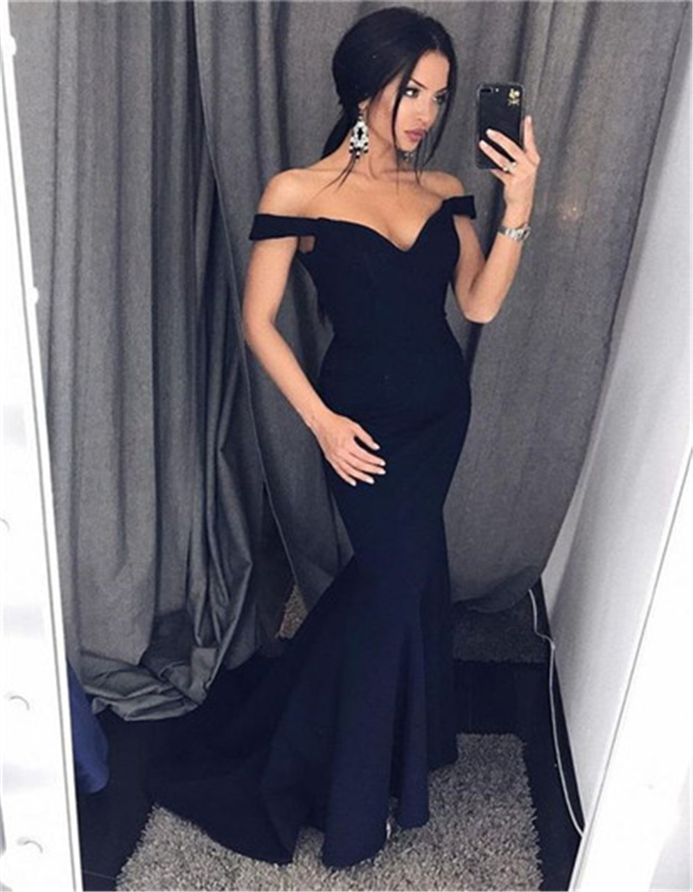 New 2019 Mermaid Black Formal Women Dresses Boat Neck Off The Shoulder Long Dress Bridesmaid Cheap Satin Wedding Party Gowns