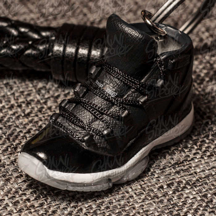 AIR JORDAN 11 72-10 AJ11 big devil King Jordan 11 generation sneaker stereo  3D model keychain