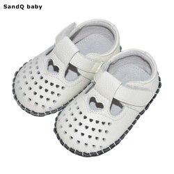 2020 جديد جديد الصيف الصيف طفل الفتيات جلد مشوا الأولى على شكل قلب حذاء طفل حذاء طفل صغير لينة وحيد الأميرة الأحذية