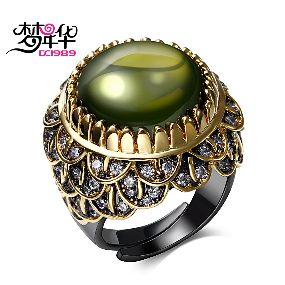 DREAMCARNIVAL 1989 Designer Royal Queen Vintage Rings for Women Wedding Black Gold Color Big Round Green Zircon Anillos Mulheres