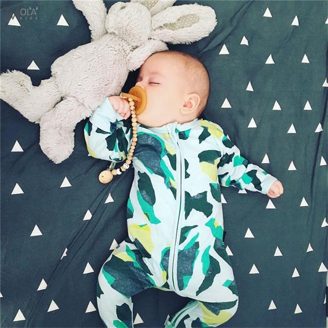 Bebé recién Nacido Ropa de Bebé Marca Impreso Nueva Ropa de bebé Ropa Del Mono Del Bebé/Mamelucos Con Pies Patrón mono Con pies