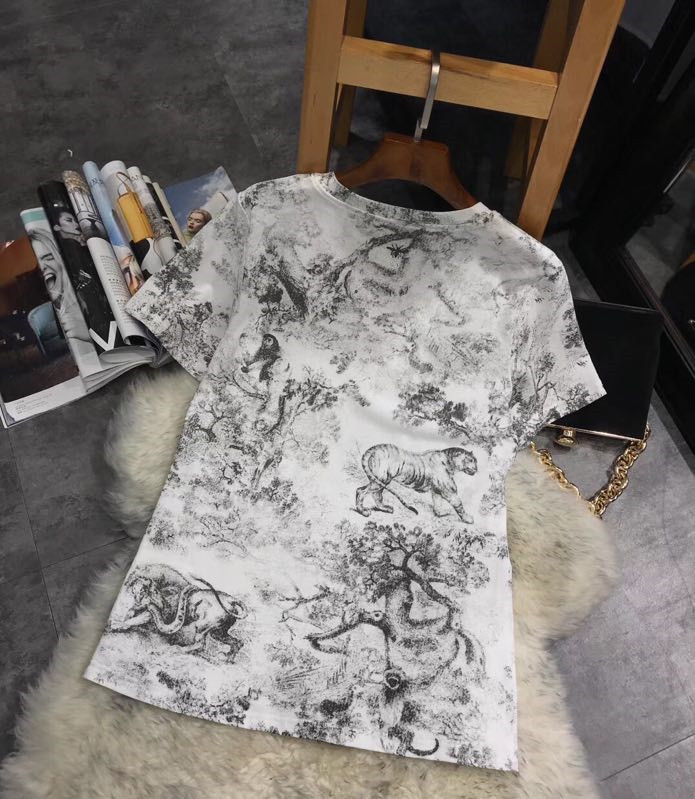 Femme Haut Marque Femmes amp; Design T Mode Luxe D01546 Européenne Style Pour Vêtements De Partie shirts Piste 2019 Awv1dx
