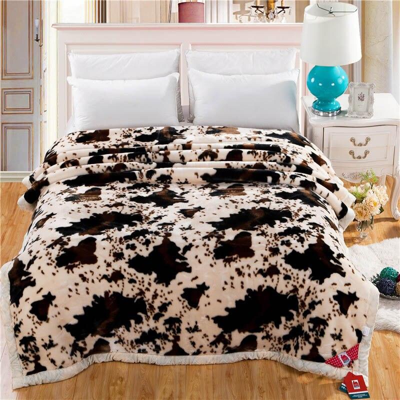 Super doux chaud épais moelleux flous vison couvertures Double couche Animal peau de vache motif impression Double reine taille hiver couverture-in Couvertures from Maison & Animalerie    1