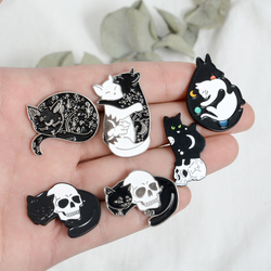 Witch Cat Pins Black and White Yin Yang Moon and Star Hugging Cat Sleeping Kitty Brooch Witchcraft Jewelry Magic Lapel pins