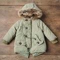 2017 Nova Moda Outono Inverno Bebê Crianças Meninos Casaco de Bebê Da Menina crianças Parka Exército Verde Jaqueta com Grande Colar Cabelo Crianças Verde casaco