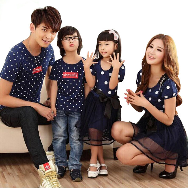 b7de1bab30d1 Family Matching Clothing Fashion Look Polka Dots 2018 Summer T-shirt Mother  And Daughter Dresses And Father Son Family Set