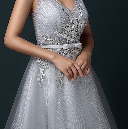 2c80be2bd74 Light Gray Sweet 16 Dresses V Neck Appliques Sheer Back Teens Formal Party  Dress Custom Made-in Prom Dresses from Weddings   Events on Aliexpress.com  ...